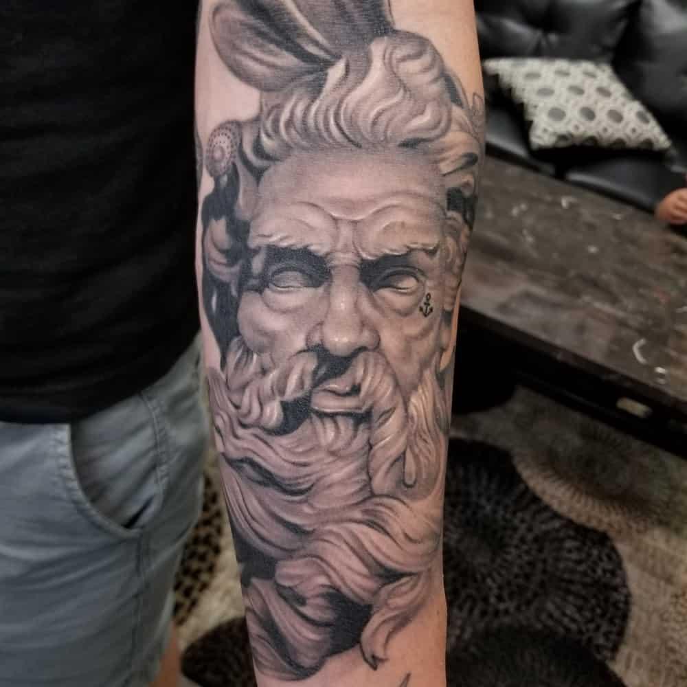 statue-tattoo